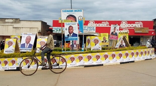 Rukungiri town decorated yellow as Museveni is nominated for Presidency